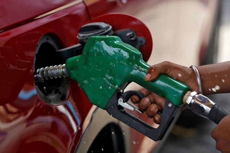 Petrol Prices in Delhi Hiked by Rs 1.65 Per Litre, Diesel Remains Unchanged