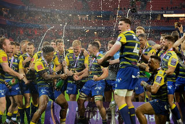 Rugby Union - European Challenge Cup Final - Cardiff Blues v Gloucester Rugby - San Mames, Bilbao, Spain - May 11, 2018 Cardiff Blues players celebrate with the trophy after the match REUTERS/Vincent West