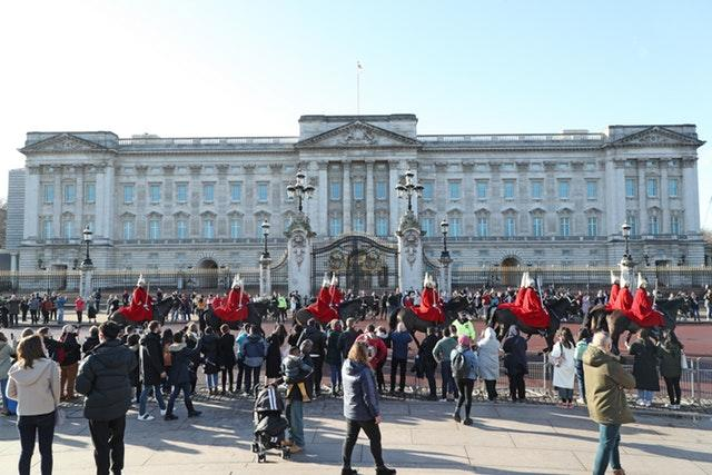 The usual throng of sightseers gathered outside the palace on Thursday (Yui Mok/PA)