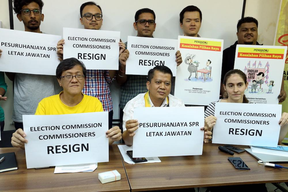 PETALING JAYA, May 14 — Electoral watchdog group Bersih 2.0 has demanded the immediate resignation of all seven Election Commissioners, charging them with 278 violations during the...