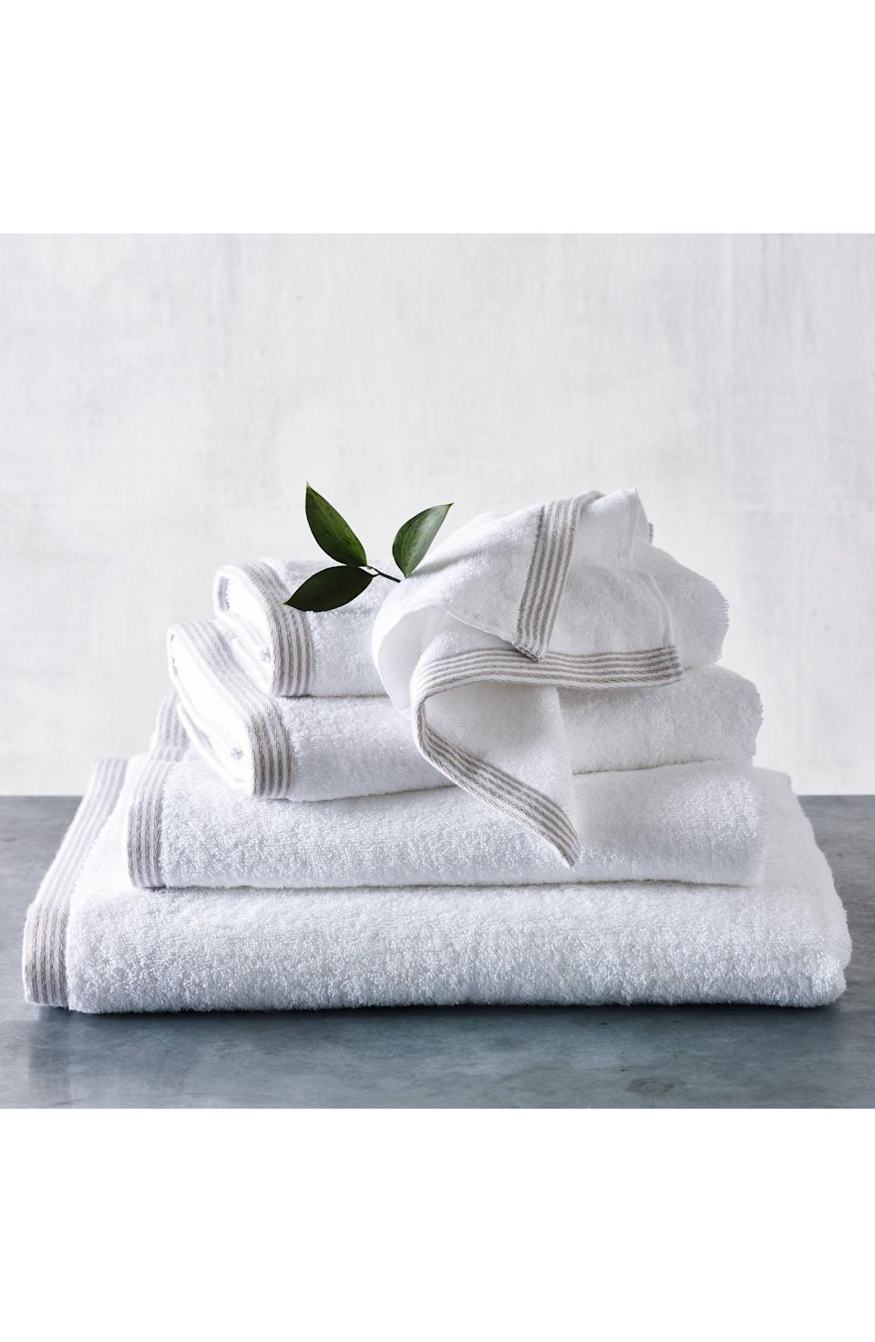 """<p><strong>THE WHITE COMPANY</strong></p><p>nordstrom.com</p><p><strong>$29.90</strong></p><p><a href=""""https://go.redirectingat.com?id=74968X1596630&url=https%3A%2F%2Fshop.nordstrom.com%2Fs%2Fthe-white-company-color-stripe-border-super-jumbo-towel%2F5503823&sref=https%3A%2F%2Fwww.veranda.com%2Fluxury-lifestyle%2Fg33484341%2Fnordstrom-anniversary-sale-2020%2F"""" rel=""""nofollow noopener"""" target=""""_blank"""" data-ylk=""""slk:Discover"""" class=""""link rapid-noclick-resp"""">Discover</a></p><p>There is something so understated and elegant about a high-quality, fluffy white towel, and we love this jumbo-sized version by <a href=""""https://www.thewhitecompany.com/us/"""" rel=""""nofollow noopener"""" target=""""_blank"""" data-ylk=""""slk:The White Company"""" class=""""link rapid-noclick-resp"""">The White Company</a>. The striped border at the bottom is a classic touch, and the absorbent combed-cotton yarn is woven to last! </p>"""