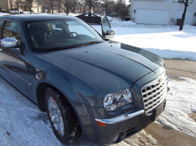 A car owned by President Barack Obama failed to meet its asking price on Ebay. The 2005 Chrysler 300C, which had 19,000 miles, was listed for $1m but attracted no bids (cubfanatic23/Ebay)<br /><br /><br /><br />