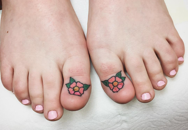 These toe tattoos are taking over the internet. [Photo: Instagram/timbecktattoos]