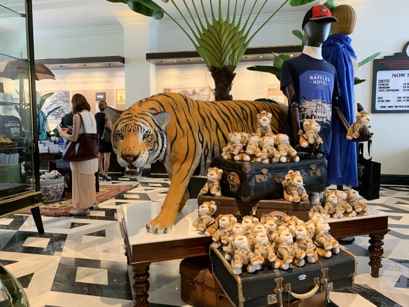 Tiger statue and soft toys at Raffles Boutique at revamped Raffles Arcade at Raffles Hotel on 11 July 2019. Visitors can buy gifts and souvenirs at Raffles Boutique. (PHOTO: Teng Yong Ping / Yahoo Lifestyle Singapore)