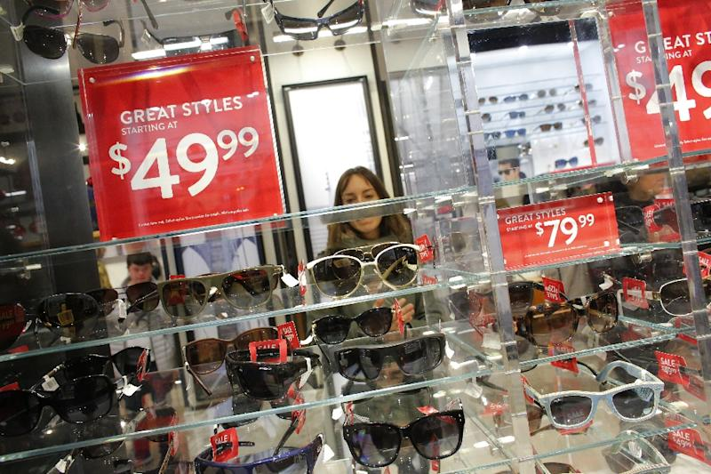 US consumer spending up 0.5% in December