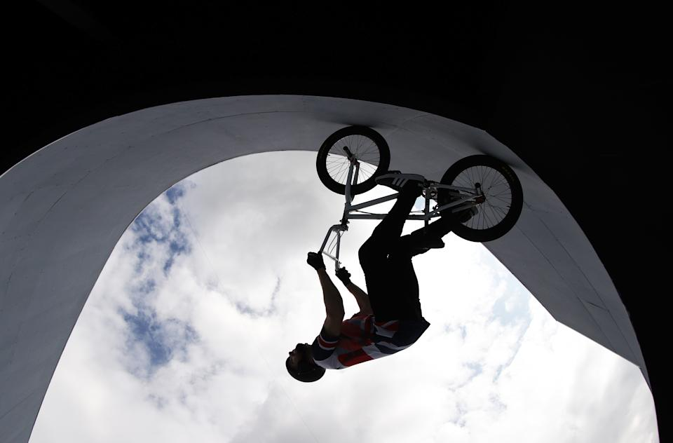 <p>Detailed silhouette view of Declan Brooks of Team Great Britain prepares for the race prior to the Men´s BMX Freestyle seeding event on day eight of the Tokyo 2020 Olympic Games at Ariake Urban Sports Park on July 31, 2021 in Tokyo, Japan. (Photo by Ezra Shaw/Getty Images)</p>