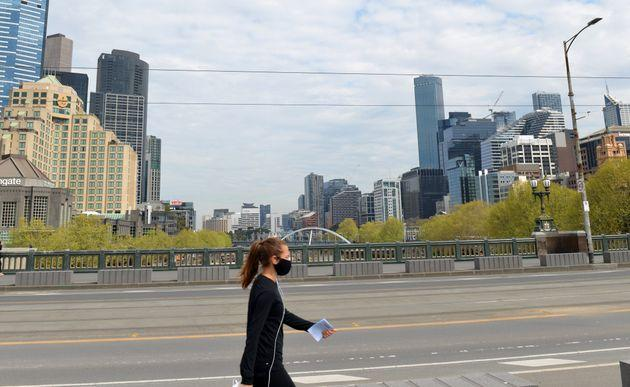 MELBOURNE, AUSTRALIA - SEPTEMBER 18: Streets remain empty due to the Stage 4 restrictions and curfew from 9 p.m. to 5 a.m. as part of new measures taken against the spread of the novel coronavirus (Covid-19) pandemic, on September 18, 2020 in Melbourne, Australia. Australia confirmed 5 more loss of life in State of Victoria from the novel coronavirus, bringing the nationwide death toll to 837. (Photo by Recep Sakar/Anadolu Agency via Getty Images)