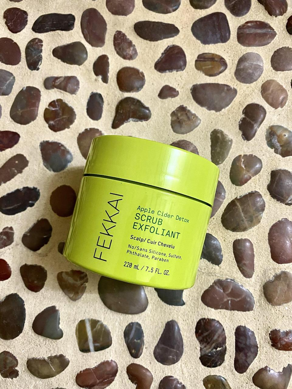 <p>The <span>Fekkai Apple Cider Detox Scrub</span> ($30) definitely worked its magic in removing excess oil, flakes, and product build-up without stripping the scalp or over-drying my roots. The physical exfoliators were quite gentle and didn't scratch or feel abrasive on my scalp. After blow-drying my hair, I noticed that my roots were lifted and had volume and my scalp felt nourished yet weightless. It felt clean and balanced but not at all stripped and dried out. </p> <p>Although the immediate results were amazing, what really surprised me was that I was able to prolong washing my hair an extra day or two. Usually, by the time I reach the latter half of the second day going into third-day hair, I start to notice more oil production, dry flakes at my roots, and my scalp starts to feel irritated. With the scrub, my scalp and roots looked more presentable during my third to the fourth day. It was not overly oily or flaky, and it didn't feel irritated at all.</p>