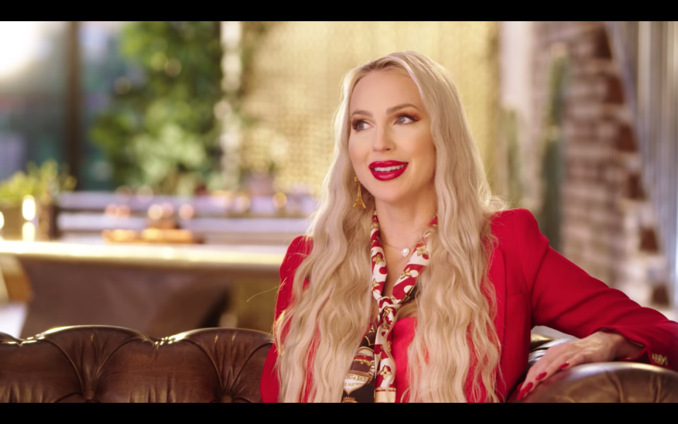 "<p>Though Christine admits that this is where she does enlist some professional help. ""I do all of my own makeup unless it's an interview look, and I pride myself on that,"" the reality star told <a href=""https://pagesix.com/2020/05/28/selling-sunset-star-christine-quinn-spills-her-style-secrets/"" rel=""nofollow noopener"" target=""_blank"" data-ylk=""slk:Page Six"" class=""link rapid-noclick-resp""><em>Page Six</em></a>. Christine says she spends close to <a href=""https://www.youtube.com/watch?v=7j3Fv0Beb-4"" rel=""nofollow noopener"" target=""_blank"" data-ylk=""slk:$1,000 per day"" class=""link rapid-noclick-resp"">$1,000 per day</a> on glam when she does get it done.</p>"