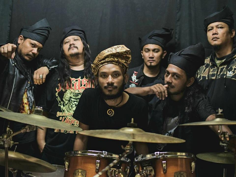 Farasu will be one of the opening acts for Loudness' concert in Malaysia.
