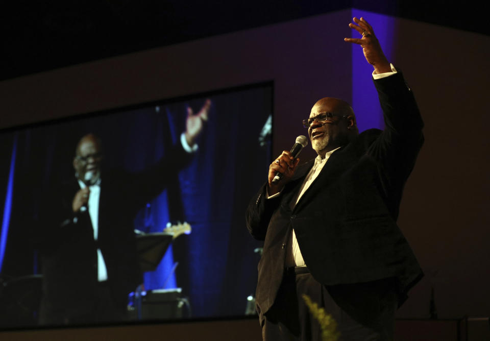 Dwight McKissic, pastor of Cornerstone Baptist Church, speaks during services in Arlington, Texas, on Sunday, June 6, 2021. McKissic is endorsing white pastor Ed Litton of Redemption Church in Saraland, Ala., for the presidency of the Southern Baptist Convention in 2021. (AP Photo/Richard W. Rodriguez)