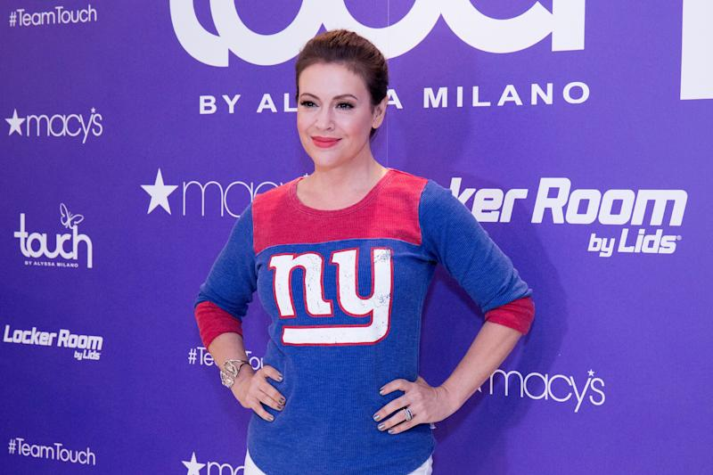 Actress Alyssa Milano put Matt Damon in his place after his convoluted statement on sexual misconduct accusations.