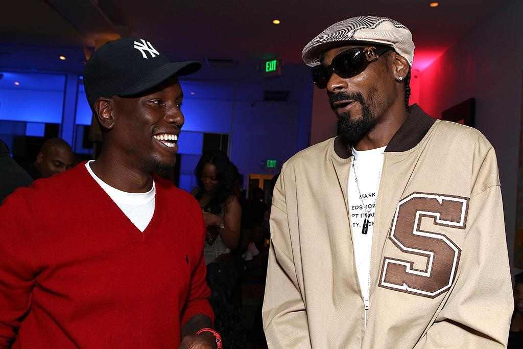 """""""Transformers: Dark of the Moon"""" star Tyrese Gibson caught up with Snoop Dogg at the soiree. Gibson has been promoting his new single, """"Stay."""" Alexandra Wyman/<a href=""""http://www.wireimage.com"""" target=""""new"""">WireImage.com</a> - August 18, 2011"""