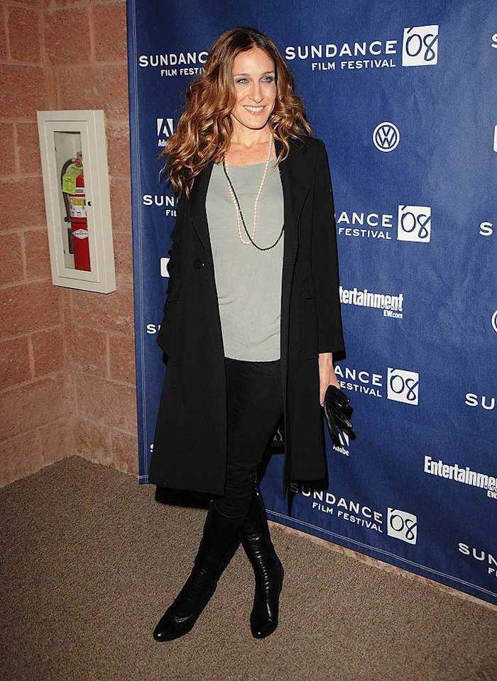 """Sarah Jessica Parker strikes a pose before making her way into the premiere of her new movie, """"Smart People,"""" at the Sundance Film Festival in Park City, Utah. George Pimentel/<a href=""""http://www.wireimage.com"""" target=""""new"""">WireImage.com</a> - January 20, 2008"""