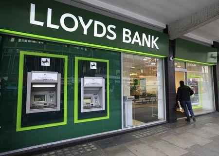Britain's Lloyds to unveil 1 bln stg share buyback plan