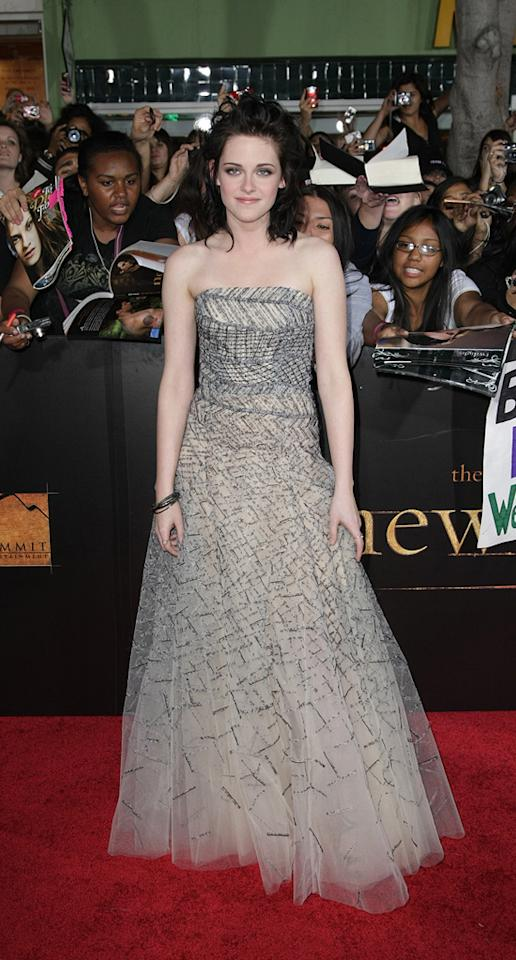 "<a href=""http://movies.yahoo.com/movie/contributor/1807776250"">Kristen Stewart</a> at the Los Angeles premiere of <a href=""http://movies.yahoo.com/movie/1810055802/info"">The Twilight Saga: New Moon</a> - 11/16/2009"