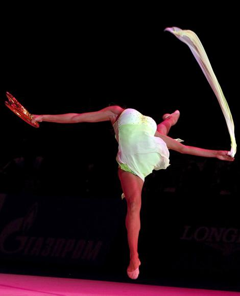 Evgenia Kanaeva of Russia performs during the gala show at the Rhythmic Gymnastics World Championships in Moscow September 26, 2010. (REUTERS/Grigory Dukor)