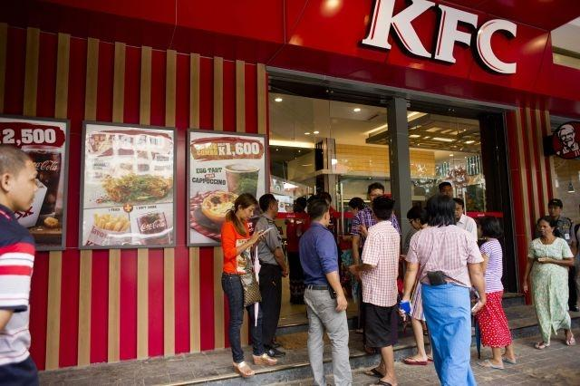 Myanmar KFC fans queue for hours for first taste of US fast food