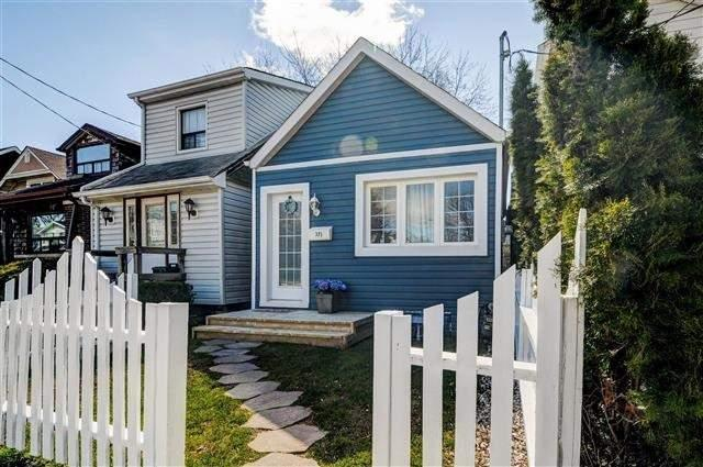 <p>No. 5: <span>371 Sammon Ave.</span><br> Toronto, Ont.<br> $649,000<br> 352 square feet<br> (Remax) </p>