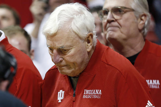 """Former <a class=""""link rapid-noclick-resp"""" href=""""/ncaaw/teams/indiana/"""" data-ylk=""""slk:Indiana Hoosiers"""">Indiana Hoosiers</a> head coach Bob Knight returned to Assembly Hall on Saturday. (Justin Casterline/Getty Images)"""