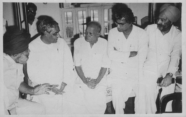 George Fernandes (second from right) with Atal Bihari Vajpayee (second from left),  Jayaprakash Narayan (centre) and other leaders in New Delhi on June 28, 1978.