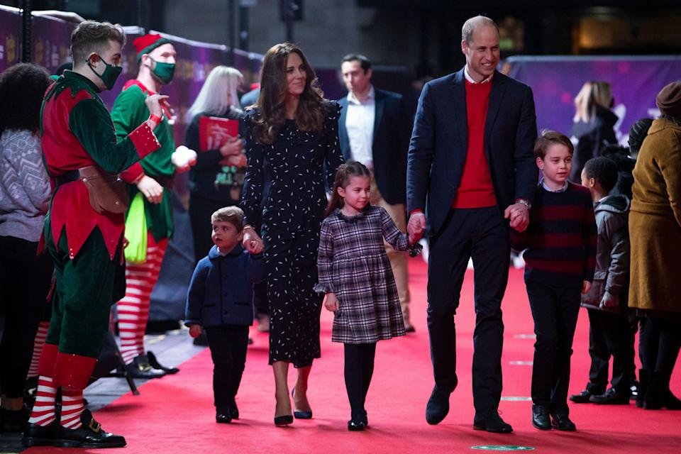 Prince William and Kate Middleton with their children Prince Louis, Princess Charlotte and Prince George at a pantomime performance at London's Palladium Theatre on Friday. (Photo: WPA Pool via Getty Images)