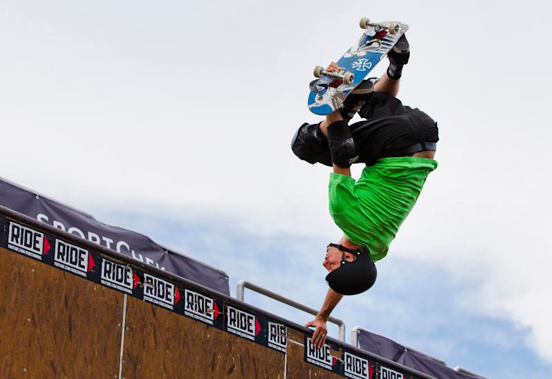 """Legendary skateboarder Tony Hawk performs during the """"Tony Hawk Tour"""" in Toronto, July 18, 2013. REUTERS/Mark Blinch (CANADA - Tags: SOCIETY SPORT)"""