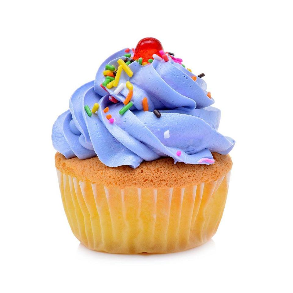 <p>With cupcake-specific bakeries like Sprinkles popping up and hotspots like Magnolia Bakery becoming bona fide tourist destinations, it suddenly became common to dig into a cupcake for a snack.</p>