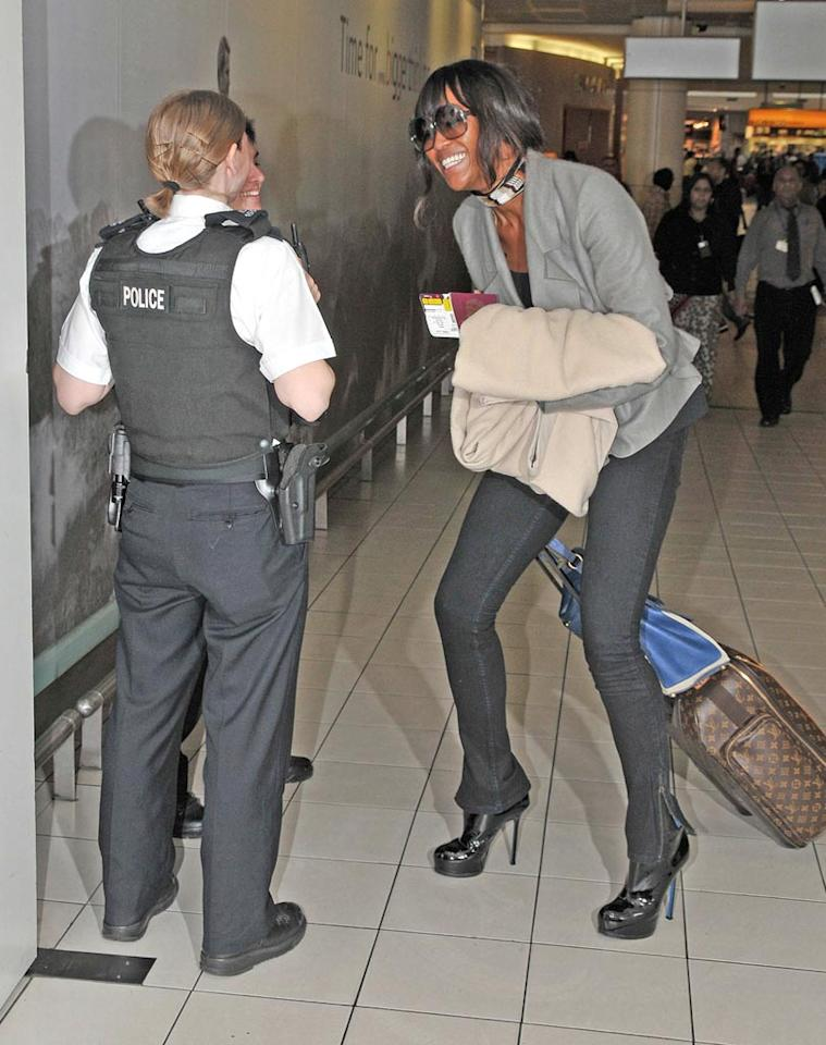 "While departing Heathrow Airport last weekend, Naomi Campbell stopped to apologize to the two officers that arrested her earlier this month. We're not sure if the supermodel's words were sincere, but we are sure she didn't fly British Airways; the carrier has banned her from all flights. <a href=""http://www.infdaily.com"" target=""new"">INFDaily.com</a> - April 19, 2008"