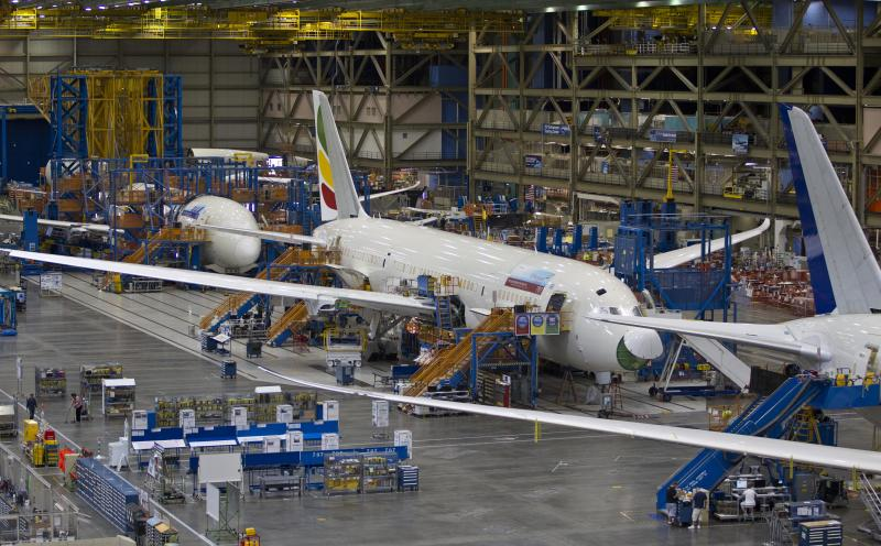 FAA to review of Boeing 787, but calls plane safe