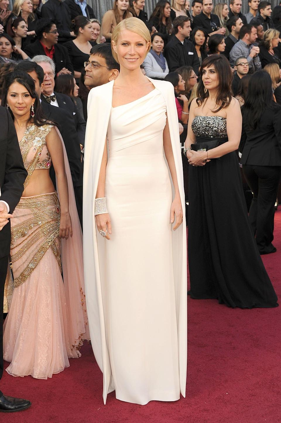 <p>This caped Tom Ford gown helped Gwyneth look like a superhero.</p>