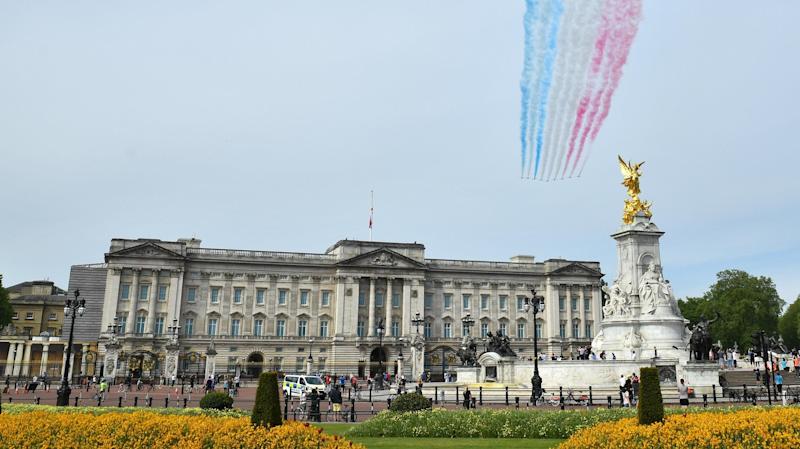 Flypasts and festivities as UK commemorates VE Day 75