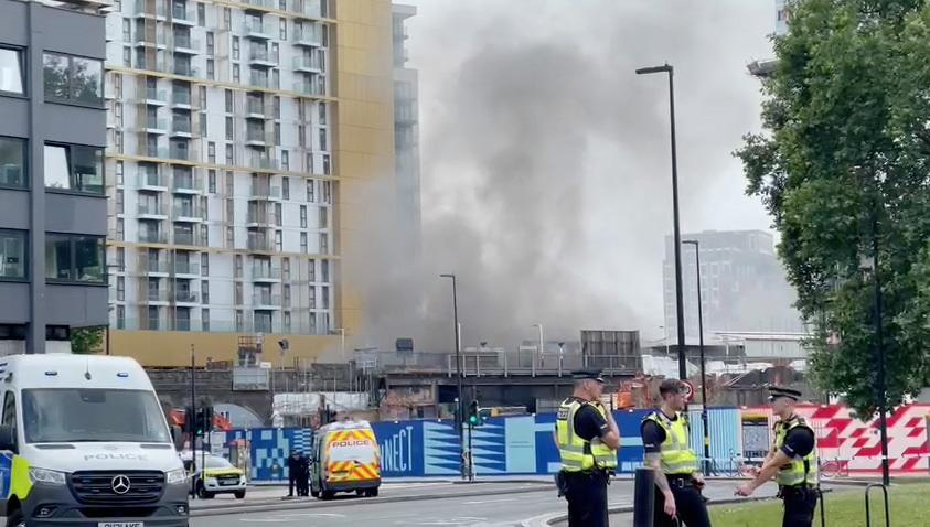 LONDON, UNITED KINGDOM - JUNE 28: Smoke billows out of Elephant and Castle station after huge fire breaks out in London, United Kingdom on June 28, 2021. (Photo by Zuhal Demirci/Anadolu Agency via Getty Images)