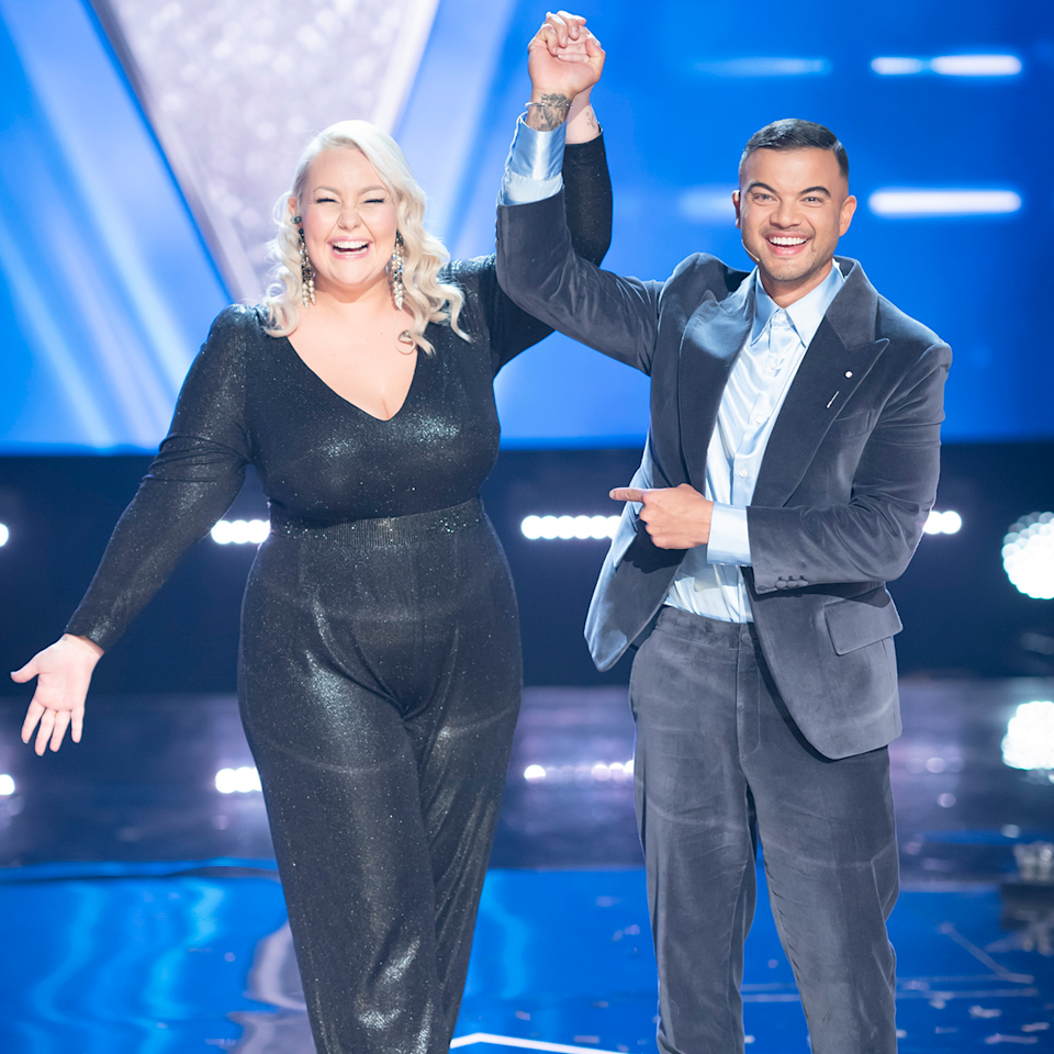 Bella Taylor Smith and Guy Sebastian on The Voice.