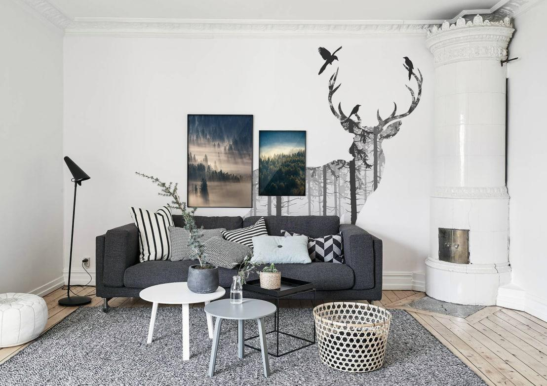 <p>Scared to splash that grey across all the living room's walls? Then opt for the safer alternative: a feature wall. </p><p>You can also paint the chimney breast or take it to the next level: commission built furniture for grey walls from a local carpenter, then finish it in a deep grey.</p><p>Just remember to coordinate that grey with carpets and upholstery in a paler shade.</p>  Credits: homify / Pixers