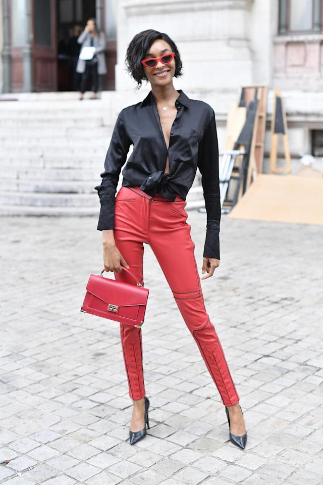 Jourdan Dunn is seen arriving at Balmain fashion show during the Paris Fashion Week Womenswear Spring/Summer 2018 on Sept. 28, 2017, in Paris, France, carrying the Iconic Emily Medium Bag in red. (Photo: Getty Images)