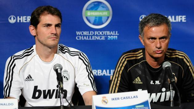 <p>Better with one arm - Julio Cesar reveals Mourinho's Casillas jibe</p>