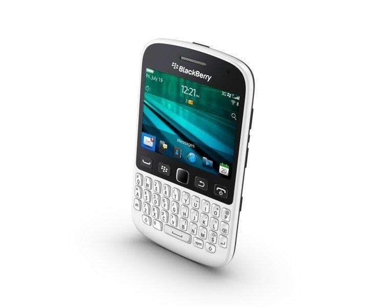 New BlackBerry 9720 Smartphone Lets You Spark The Conversation