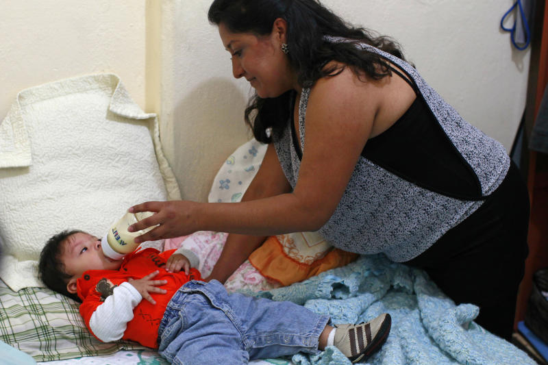 Mexico finds breast-feeding woes as rate drops