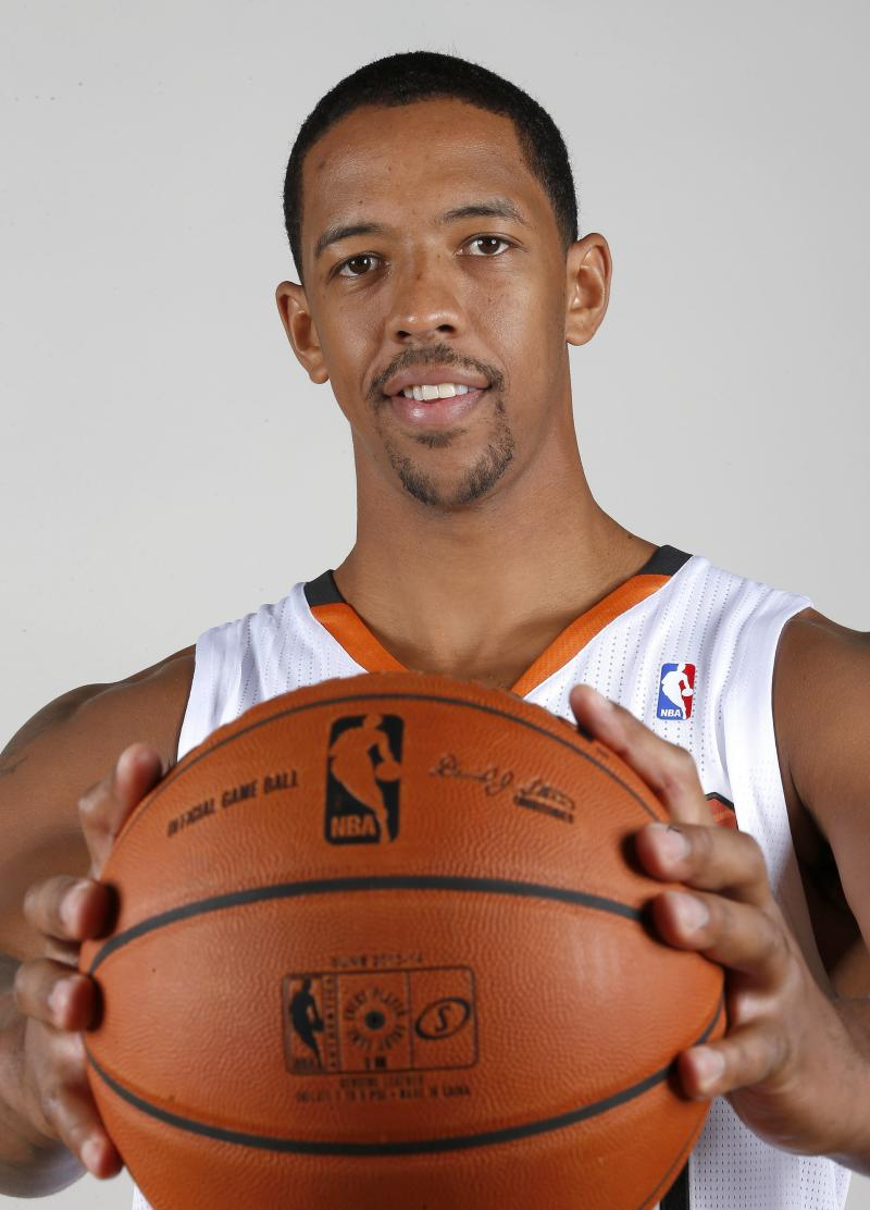 Frye returns to Suns, missed year with heart issue