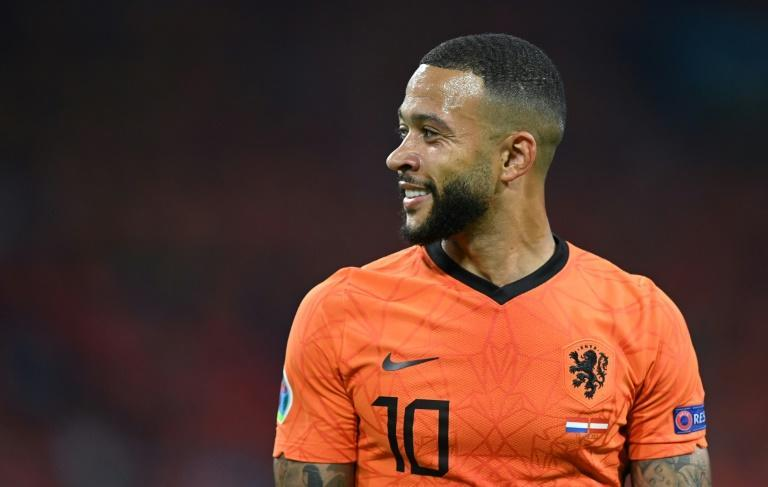 Memphis Depay's penalty set the Netherlands on the way to their 2-0 win over Austria