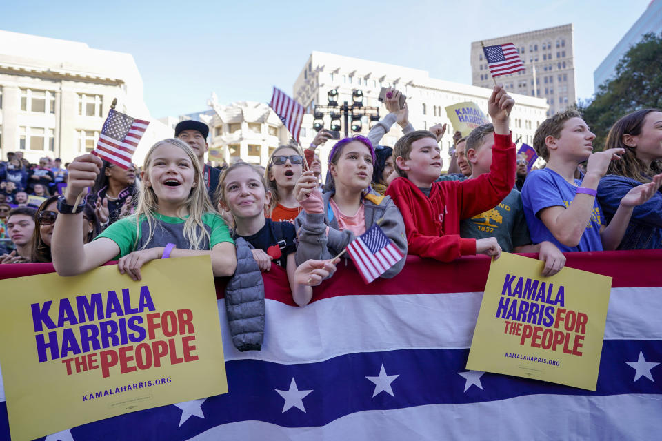 Many young people attended the rally in Oakland, a city with a staunchly progressive electorate. (Photo: Tony Avelar/AP)
