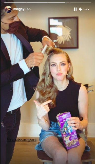 <p>We appreciate the Mank star combining snacking while getting her hair done ahead of the Golden Globes. Multi-tasking at its finest.<br></p>