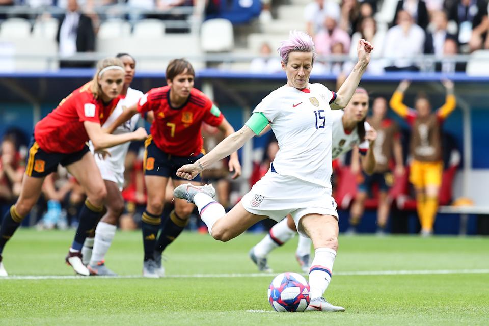 REIMS, FRANCE - JUNE 24: #15 Megan Rapinoe of USA gets her goal by penalty during the 2019 FIFA Women's World Cup France Round Of 16 match between Spain and USA at Stade Auguste Delaune on June 24, 2019 in Reims, France. (Photo by Zhizhao Wu/Getty Images)