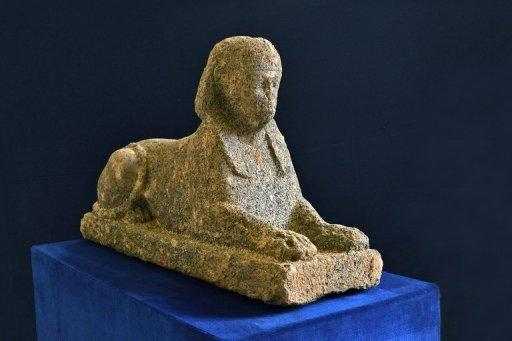 Egyptian sculptures began to be shipped to Italy following the Roman conquest of Egypt in the 1st century BC