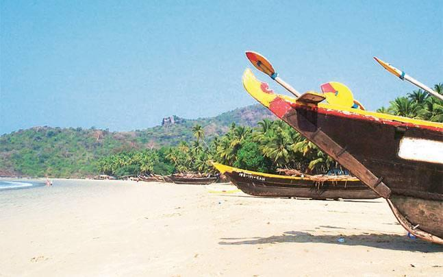 Why single out Lamanis, why not Russians? Karnataka tourism minister on banning Lamanis from Goa comment