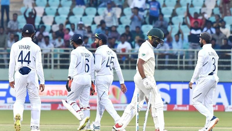 Live Cricket Streaming of India vs South Africa 1st Test 2019 Day 5 on DD Sports, Hotstar and Star Sports: Watch Free Telecast and Live Score of IND vs SA Match on TV and Online