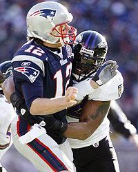 Lewis' Ravens kept pressure on Brady