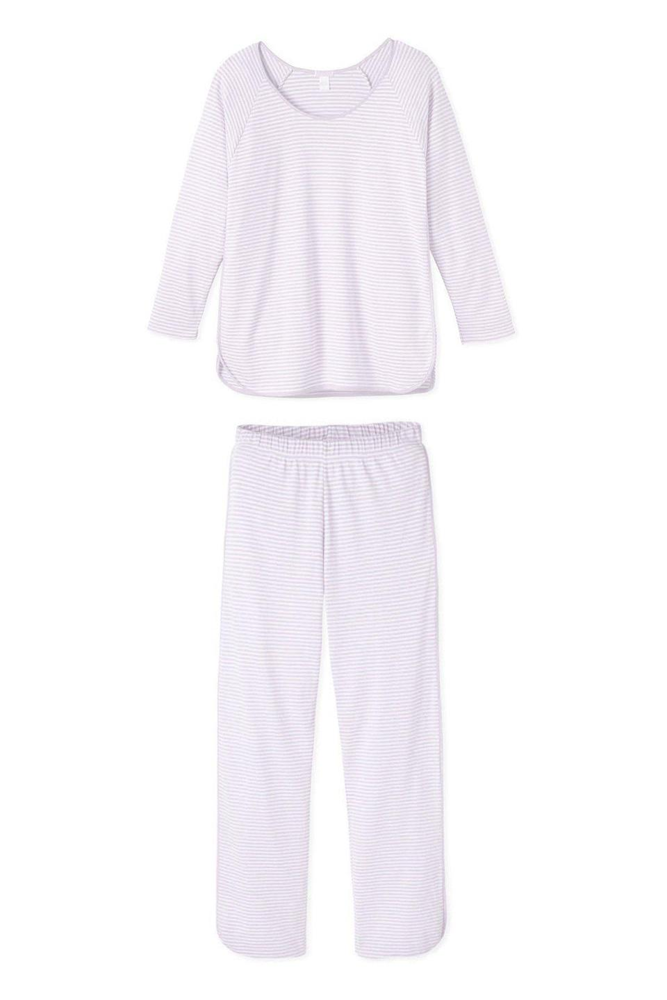"<p>lakepajamas.com</p><p><strong>$114.00</strong></p><p><a href=""https://go.redirectingat.com?id=74968X1596630&url=https%3A%2F%2Flakepajamas.com%2Fcollections%2Fpants-sets%2Fproducts%2Flavender-long-long-set&sref=https%3A%2F%2Fwww.townandcountrymag.com%2Fstyle%2Fhome-decor%2Fg33933277%2Fcozy-gifts%2F"" rel=""nofollow noopener"" target=""_blank"" data-ylk=""slk:Shop Now"" class=""link rapid-noclick-resp"">Shop Now</a></p><p>The best gifts are little luxuries the recipient would never buy for themselves. Lake's super-soft Pima pajama sets certainly fall into that category. </p>"