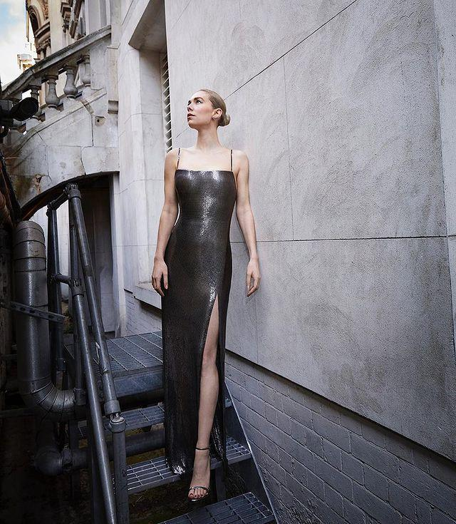 """<p>The Pieces Of A Woman actor wore a chainmail Atelier Versace dress. </p><p><a href=""""https://www.instagram.com/p/CNiedbirzjD/"""" rel=""""nofollow noopener"""" target=""""_blank"""" data-ylk=""""slk:See the original post on Instagram"""" class=""""link rapid-noclick-resp"""">See the original post on Instagram</a></p>"""
